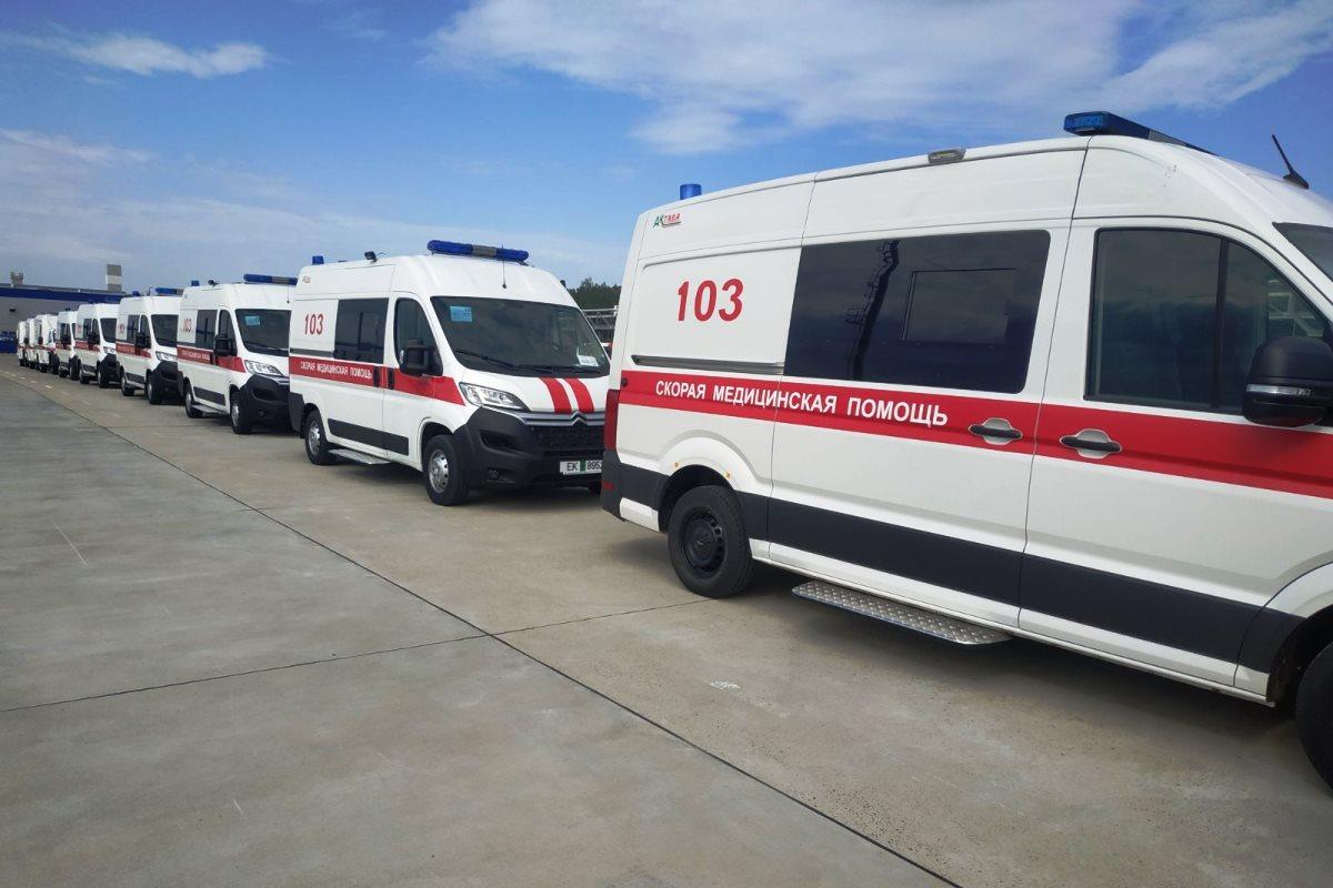 Александр Турчин вручил ключи от автомобилей медикам области