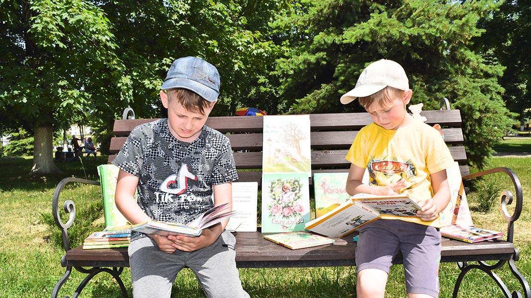 Родители, хотите узнать, чем занять детей летом? Подскажем!