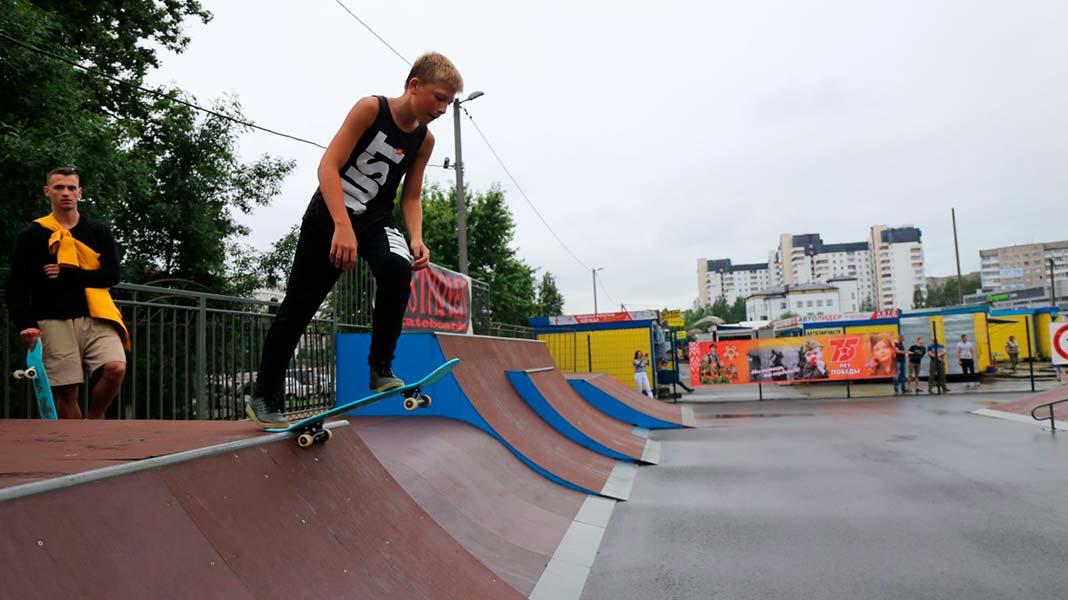 На городском стадионе в Борисове сегодня открылся скейт-парк!