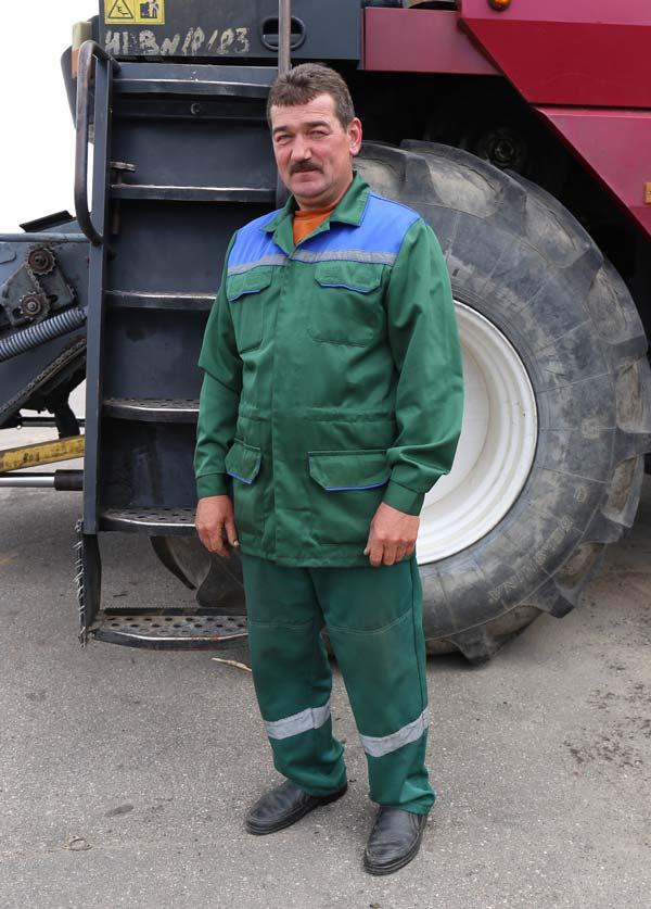 Механизатор из «Больших Новоселок»: «Сейчас земля требует особого внимания»
