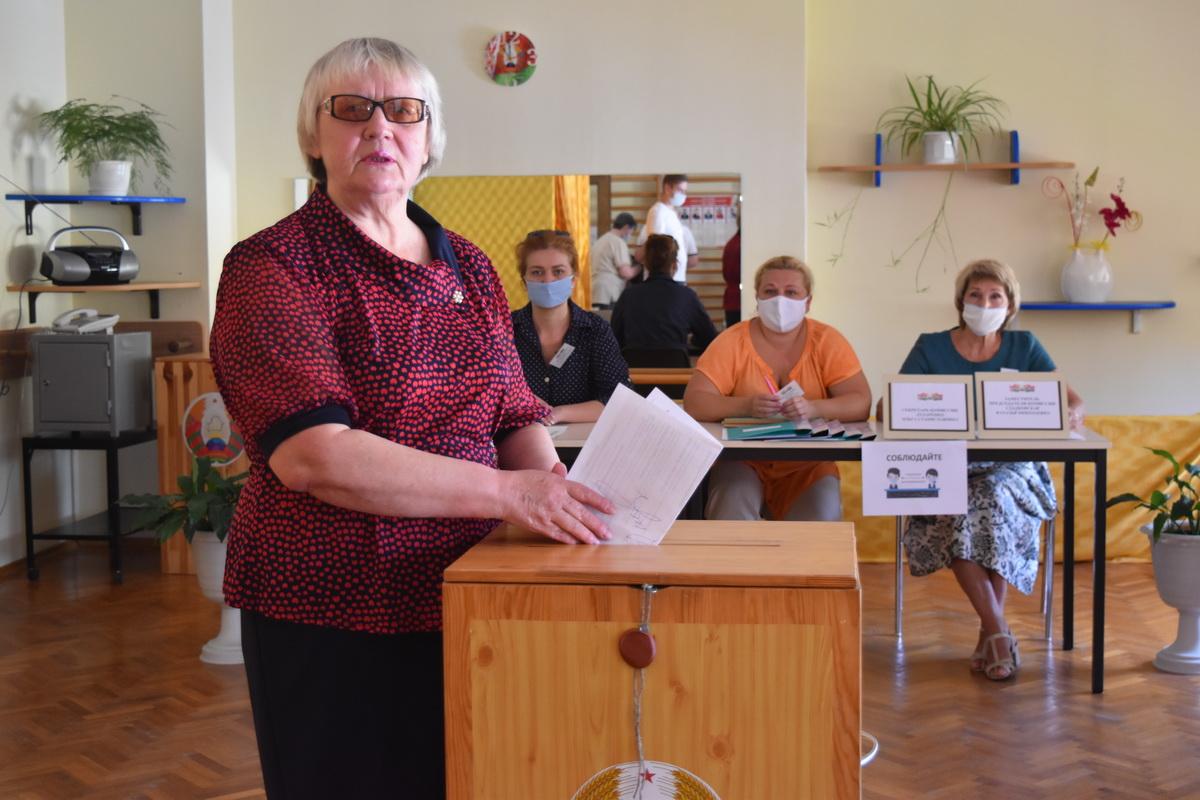На голосование – в сопровождении специалиста