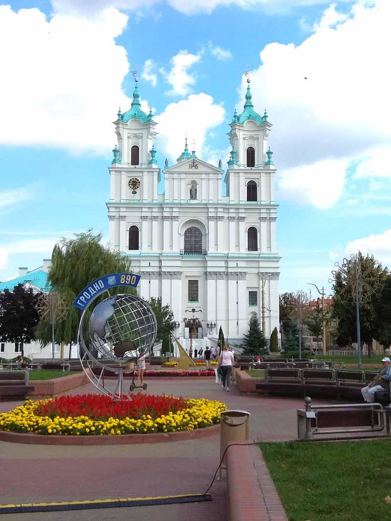 От белоснежных до ярко-красных. Край белорусских храмов. Маршрут выходного дня