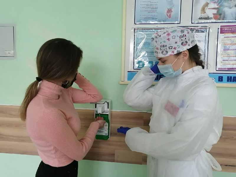 Будущие медики – на передовой: учащиеся медколледжа Борисова помогают в поликлиниках
