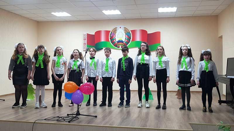 Конкурс патриотической песни «Мы голосуем за МИР!» прошел в СШ №11