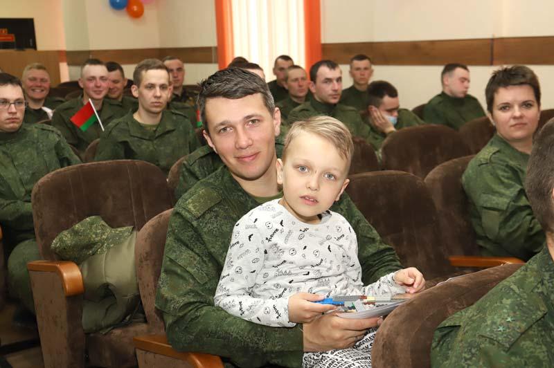 Определена лучшая молодая семья Северо-западного оперативного командования