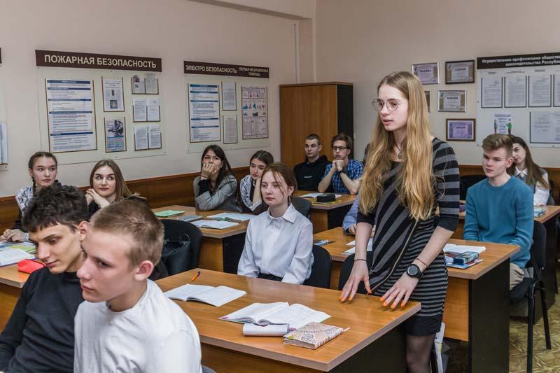 Анатолий Исаченко приехал в Борисов с ответным визитом… к школьникам
