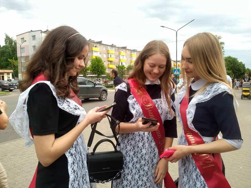 Более девятнадцати тысяч юных жителей Борисовщины скоро покинут стены своих школ
