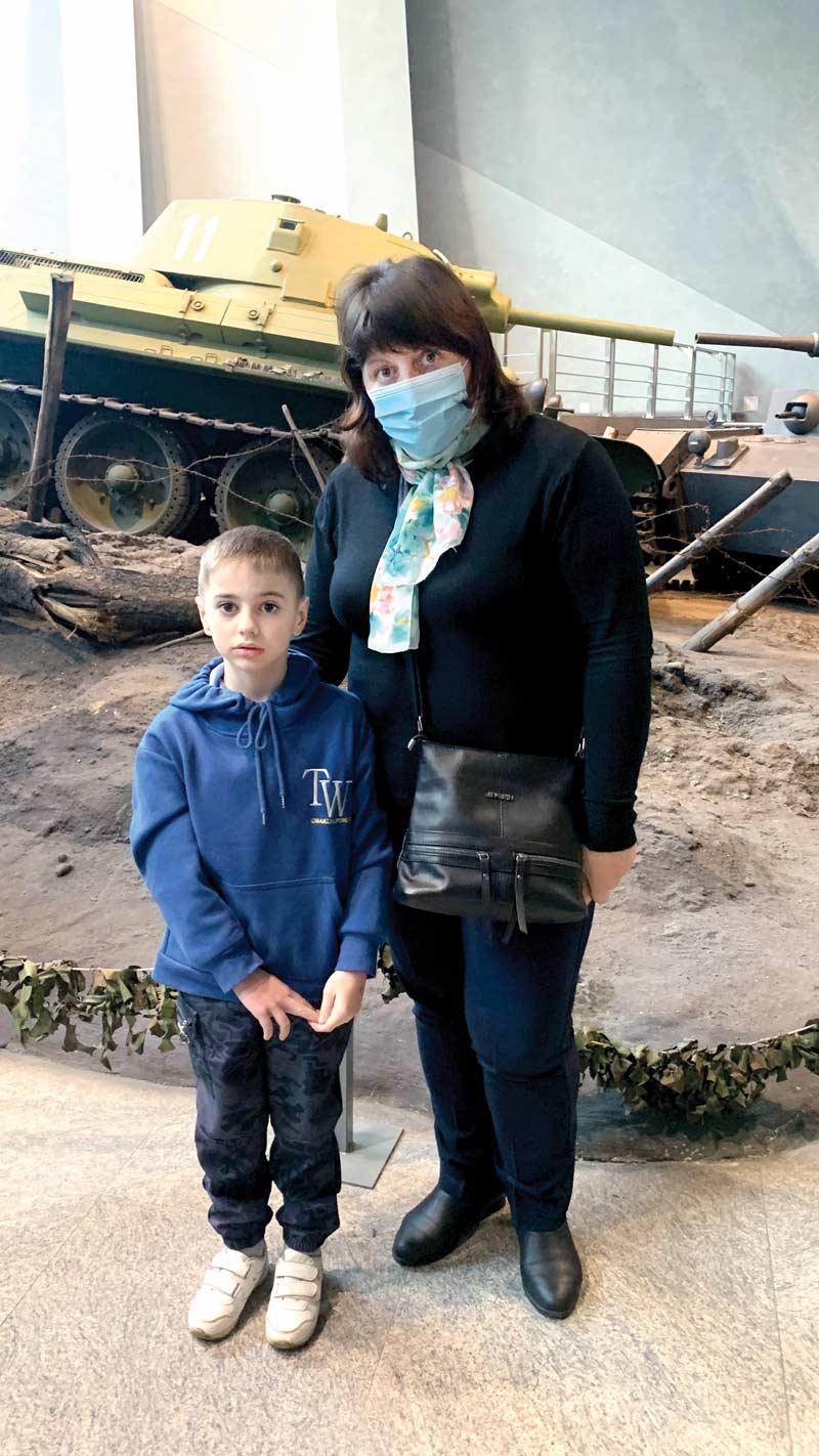 Победителей конкурса семейных творческих работ отвезли на экскурсию в музей ВОВ