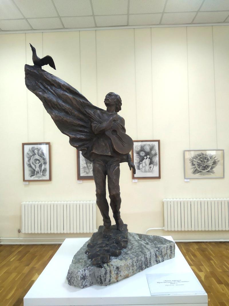 Выставка графики и скульптуры «Певец культуры края» открылась в Молодечно
