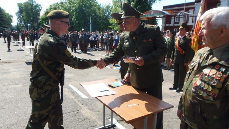 Новое пополнение Борисовского гарнизона приняло военную присягу