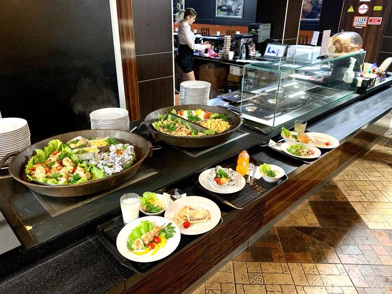 Время обеда: в атмосфере романтики и релакса