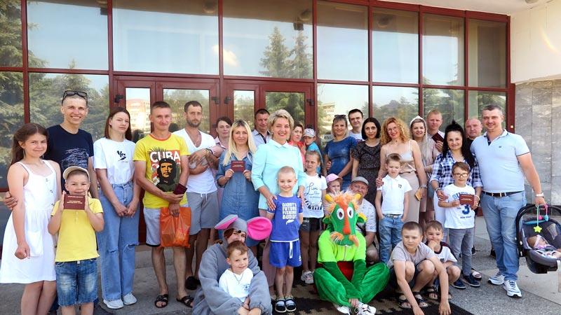 «Красные дипломы» получили главы десяти многодетных семей Борисовщины