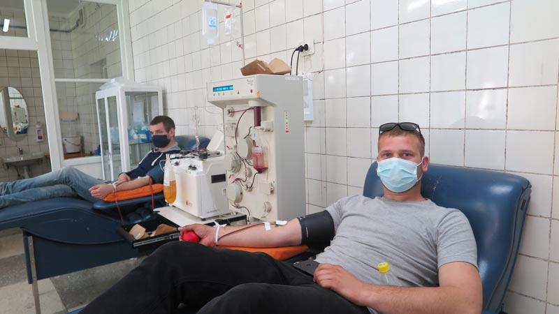 «Сдавайте кровь, пусть в мире пульсирует жизнь» – под таким девизом в Борисове прошла акция по безвозмездной сдаче крови