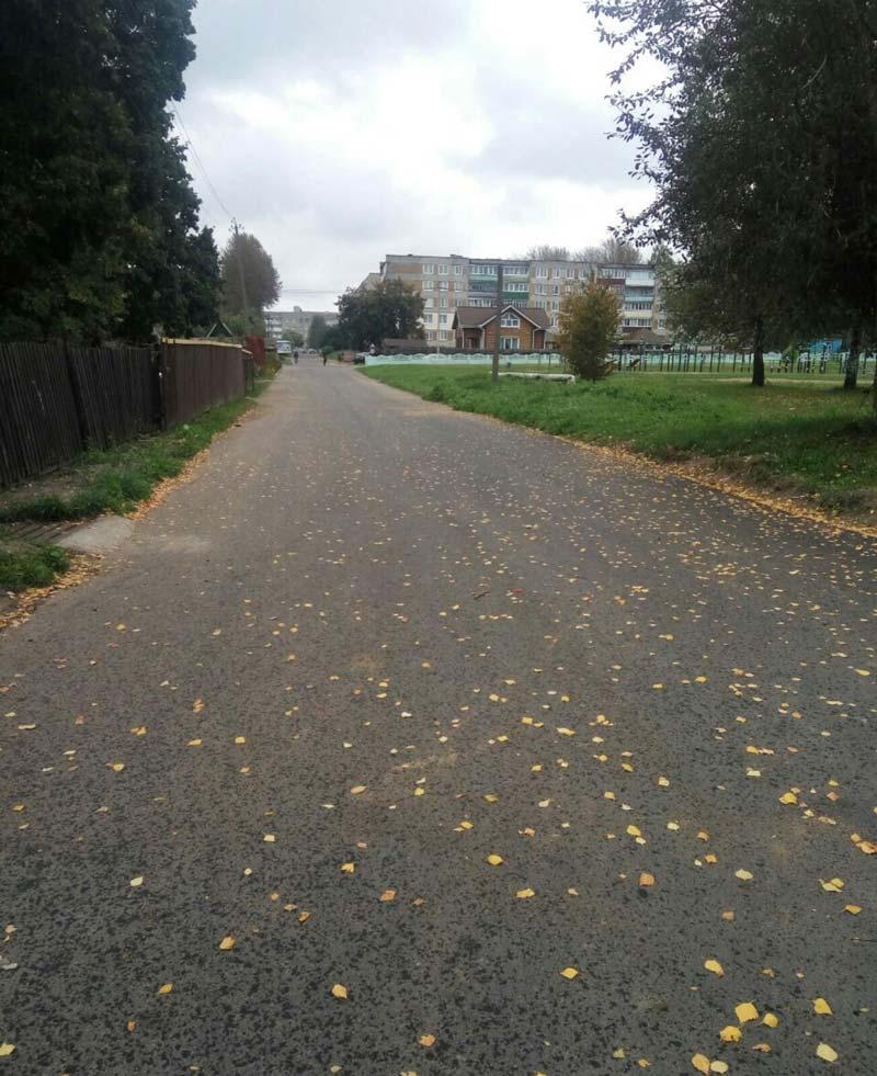 Обещанного дождались: на одной из центральных улиц в Лошнице отремонтировали дорогу