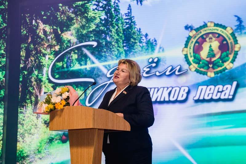 Теплые слова, высокие награды и звезды белорусской эстрады: работники Борисовского опытного лесхоза отметили профессиональный праздник
