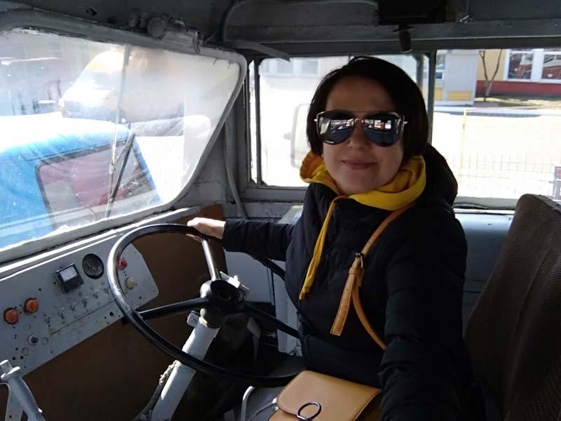 Назад в детство: рассказываю, где я почувствовала себя и водителем, и пассажиром минувшего века