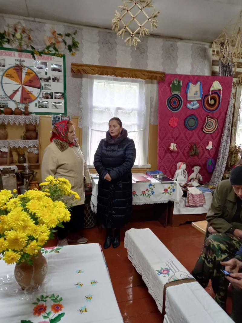 Председатель сельисполкома встретилась с населением двух деревень. Говорили о том, что волнует