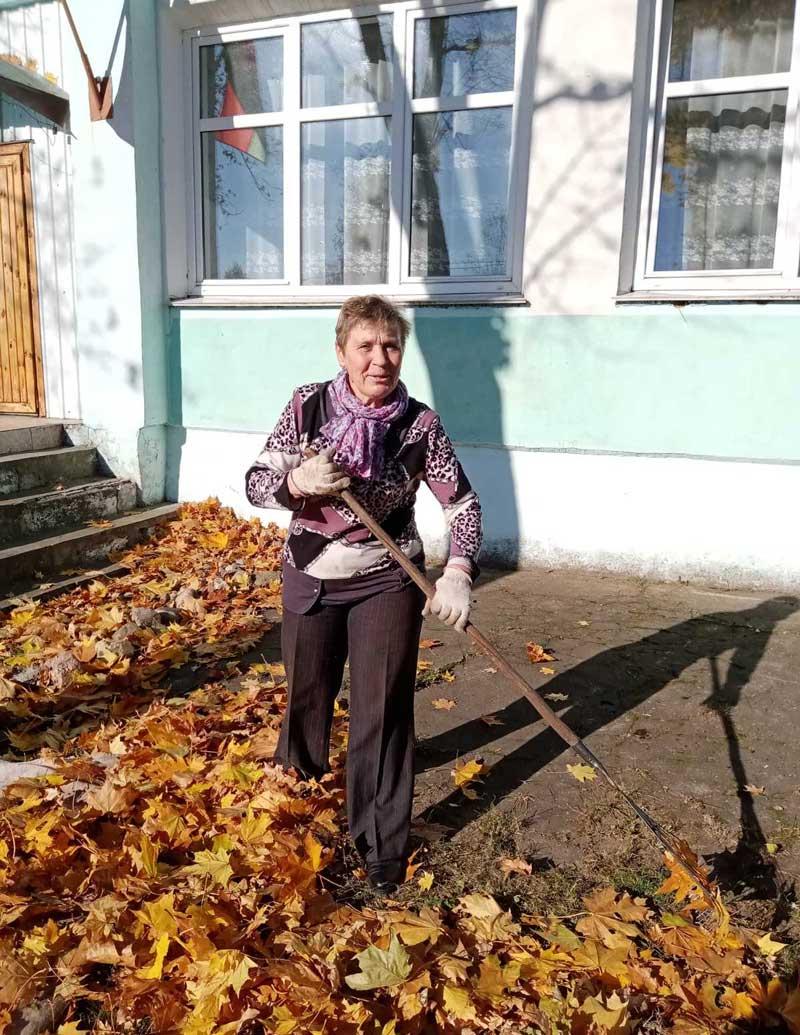 Дружно трудились в свой выходной сельчане: субботник прошел в Пригородном сельсовете